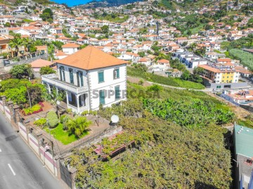 Moradia T4 Santo António