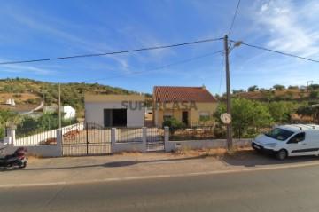 Moradia T3 em Santa Catarina da Fonte do Bispo -