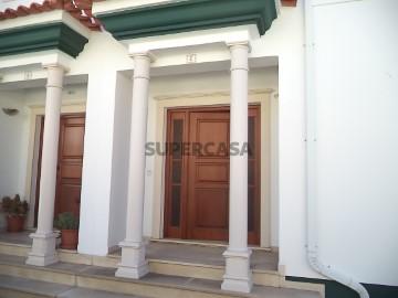 Moradia T3 Marinha Grande- Porta principal